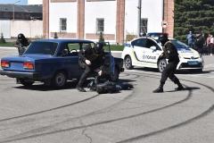 Затримання озброєної злочинної групи