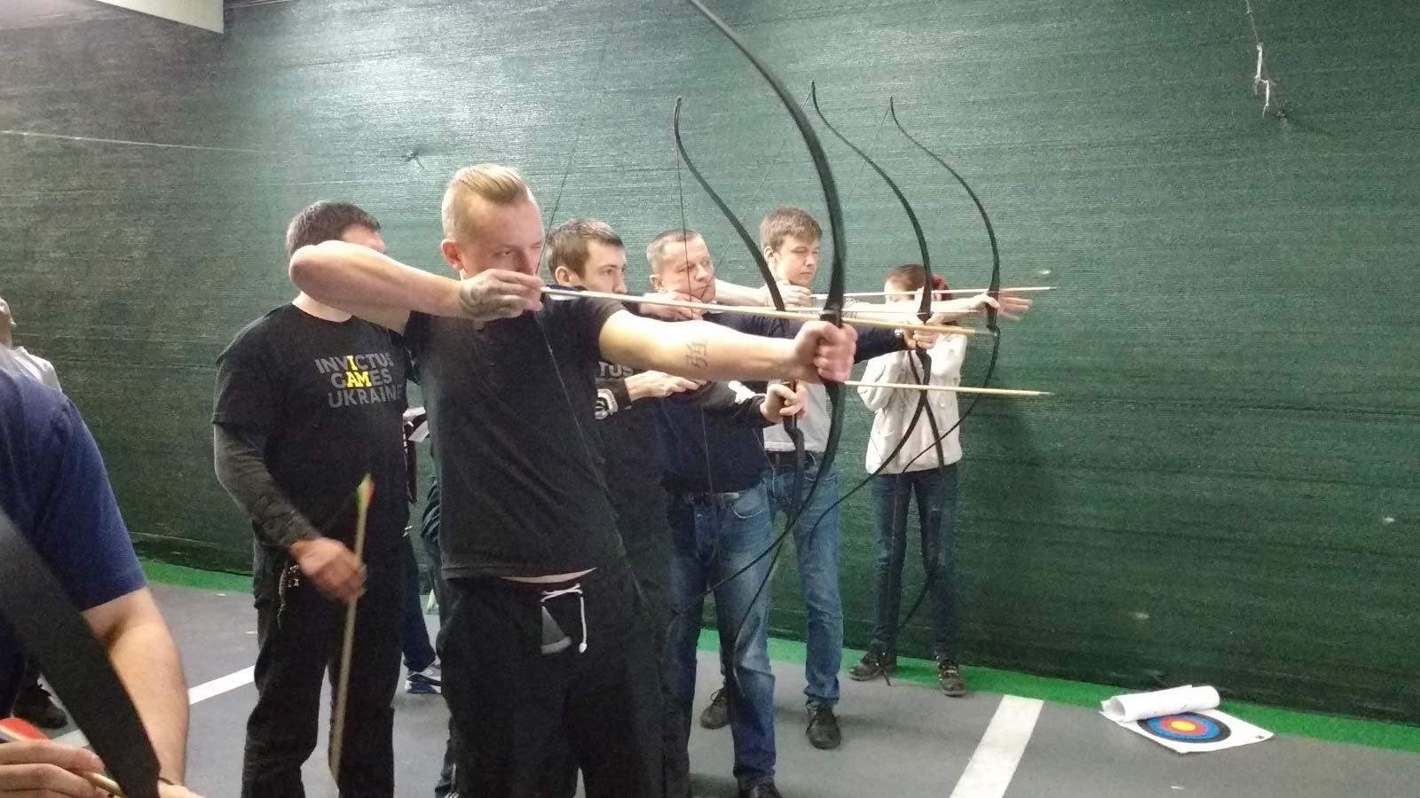 Проведення у його рамках міні-турніру зі стрільби з луку серед добровольців