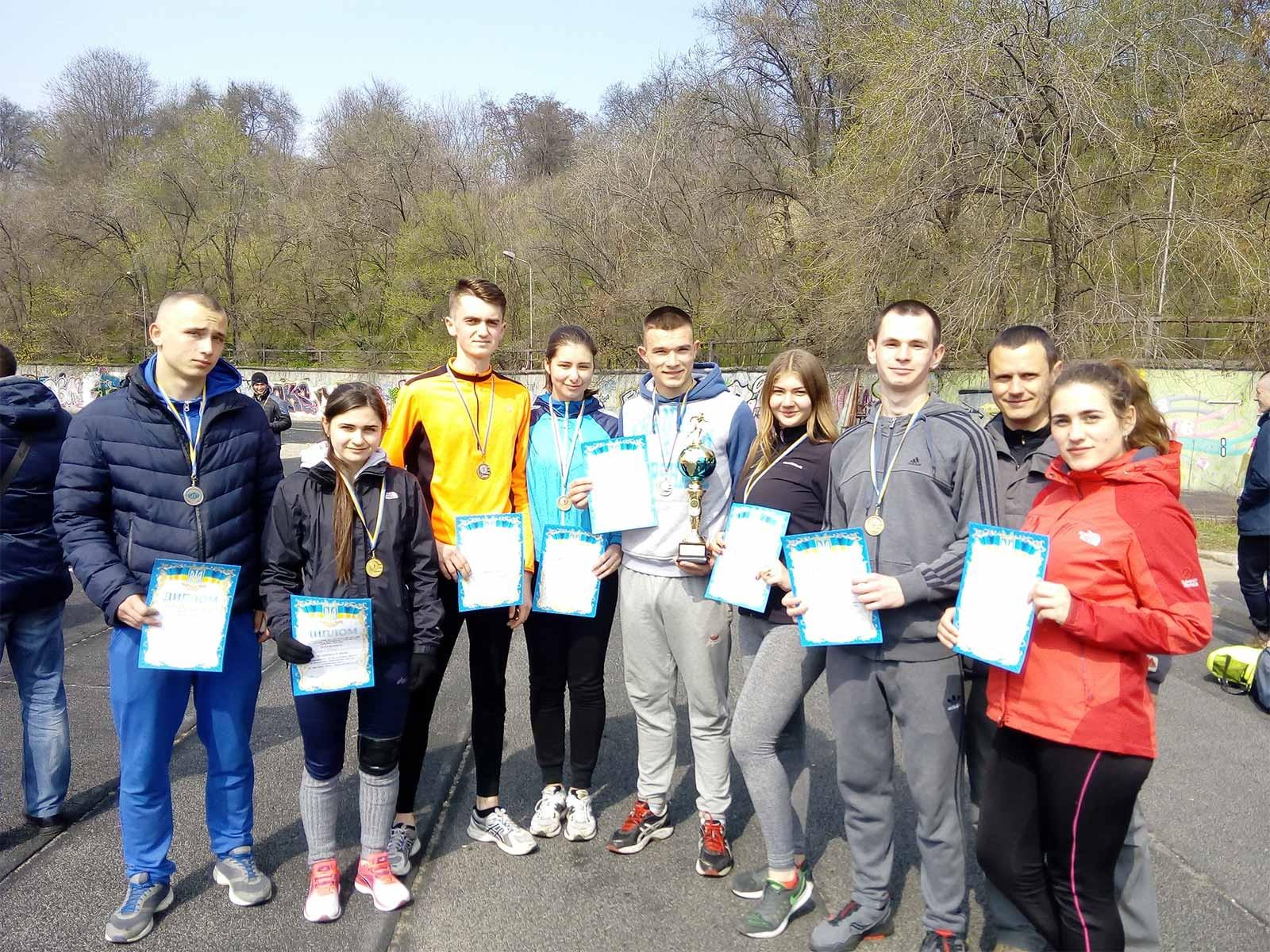 Збірна легкоатлетів ДДУВС