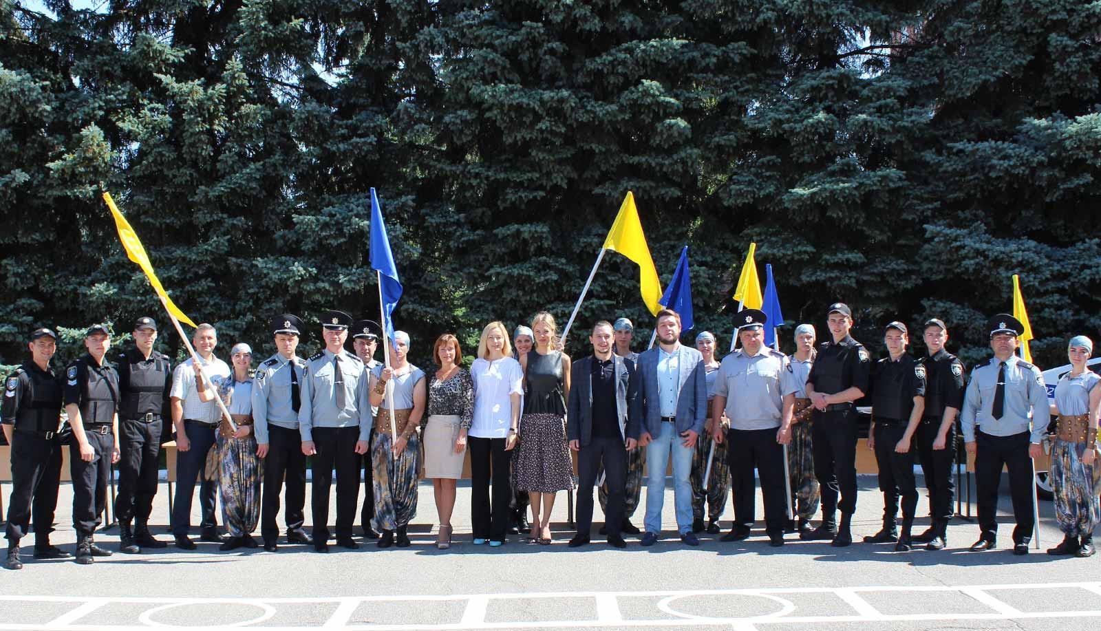Святкові урочистості та тематичний флешмоб з нагоди відзначення 21-ї річниці Конституції України