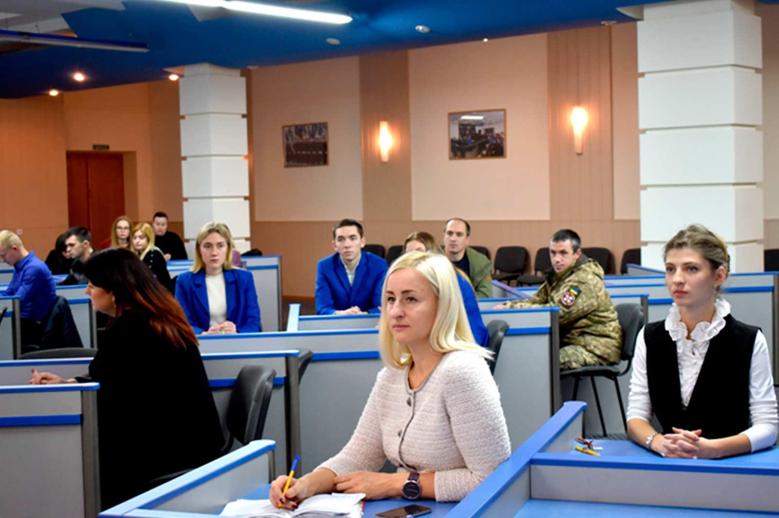 Представники нотаріату, викладачі, студенти та курсанти навчального закладу