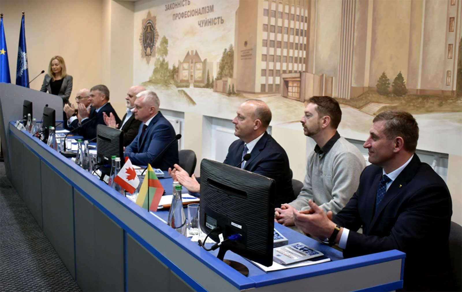 У роботі конференції взяли участь понад 100 науковців і практиків