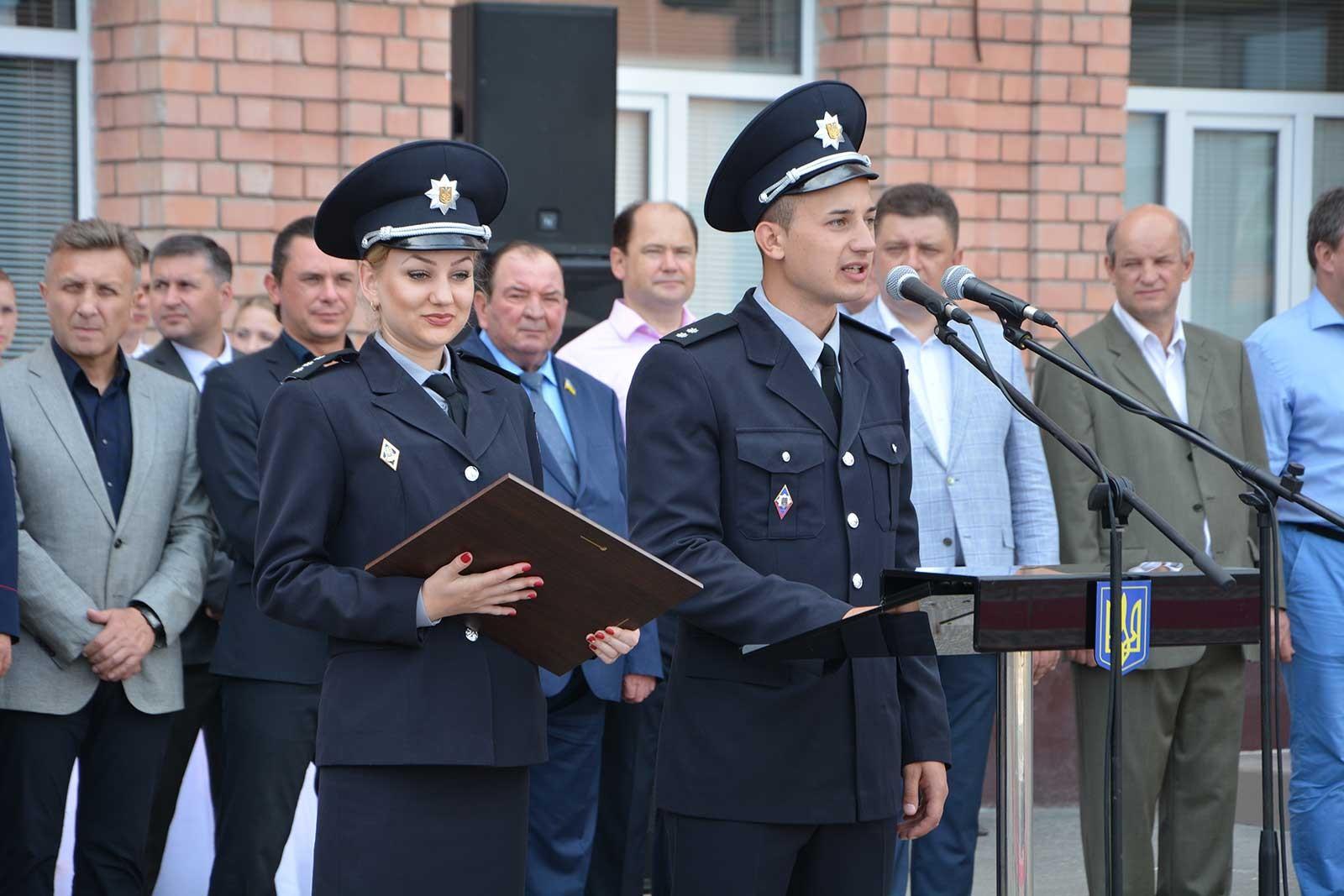У ДДУВС пройшли урочисті заходи з нагоди випуску фахівців для підрозділів національної поліції України.