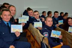 Діючі поліцейські отримують освіту у ДДУВС