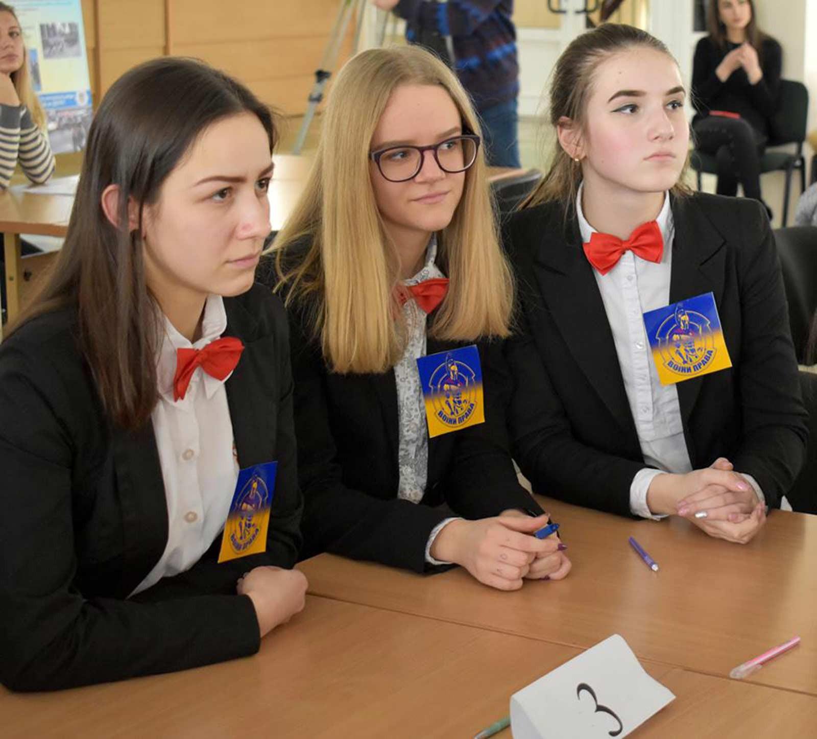 Серед 260 старшокласників Дніпра визначили «гладіаторів права»