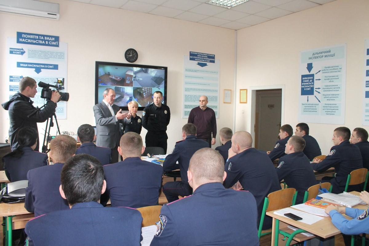 Спільні заняття курсантів ДДУВС та поліцейських патрульної поліції міста Дніпропетровськ