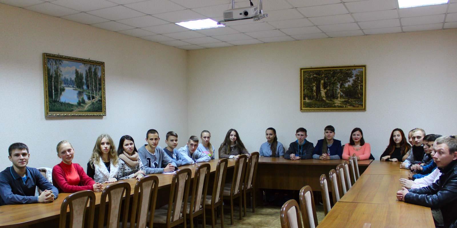 У мультимедійному кабінеті студенти переглянули відеофільм про історію українського козацтва на Криворіжжі.