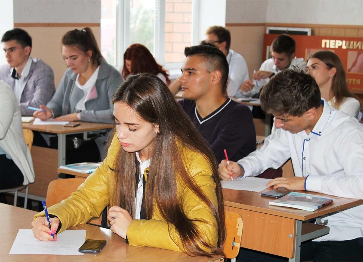 Усі курсанти та студенти направилися до начальних аудиторій на перше у новому навчальному році заняття