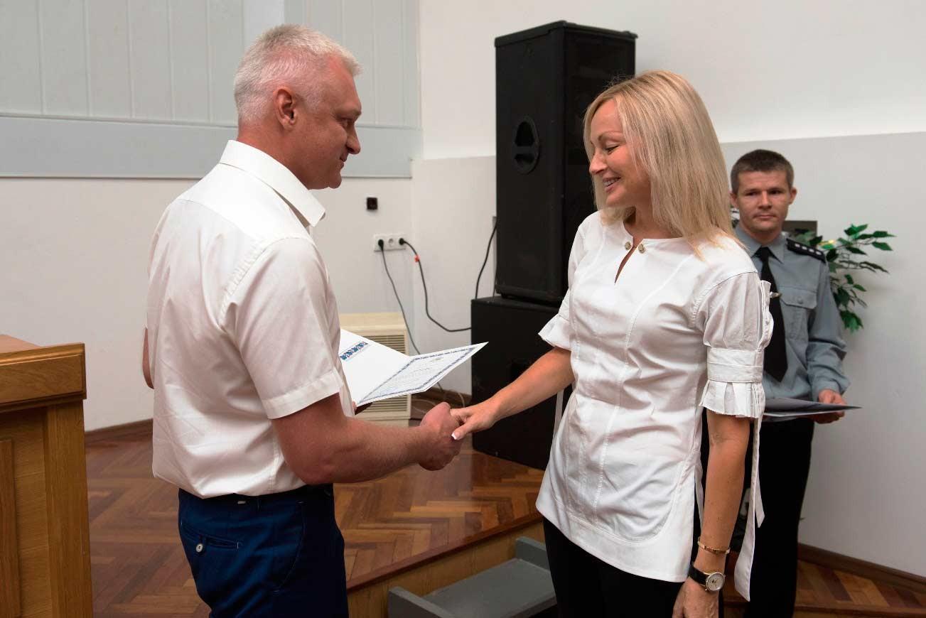 Найкращі працівники навчального закладу були нагороджені відзнаками, почесними грамотами та подяками.