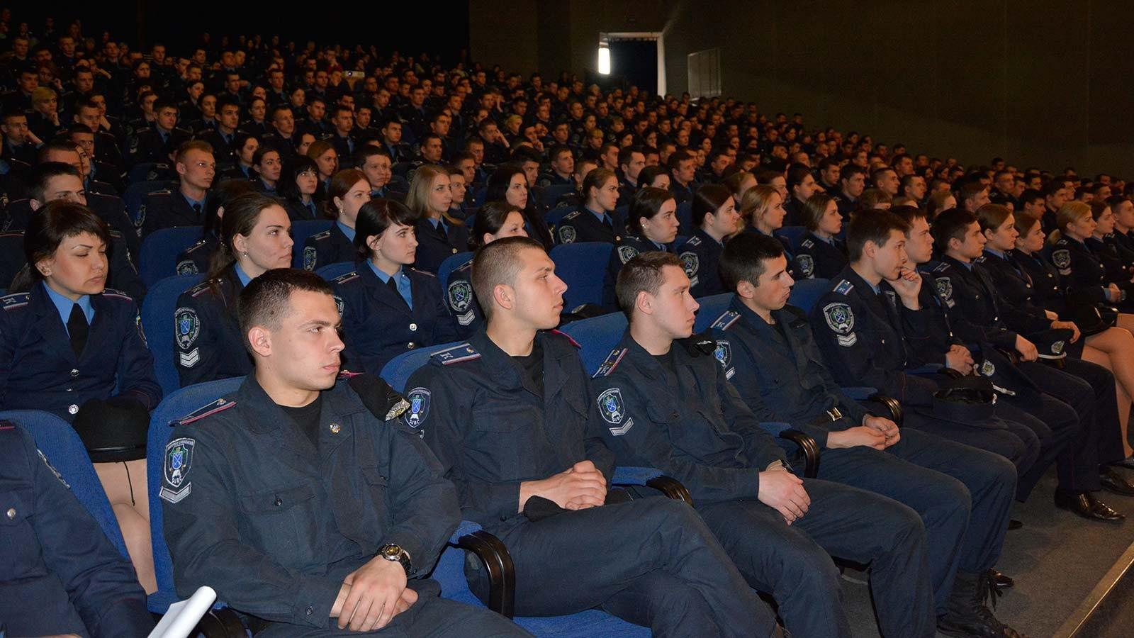 Курсанти та студенти ДДУВС переглянули фільм «Іловайськ. Лицарі неба»