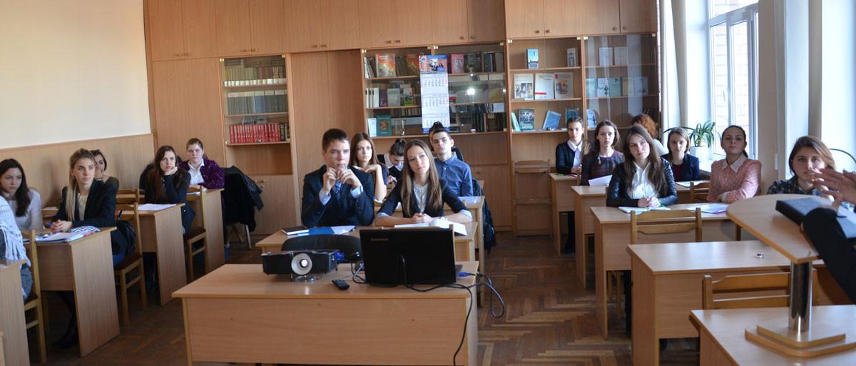 Публічний захист науково-дослідницьких робіт учнів-слухачів в ДДУВС.