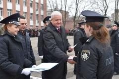 Відповідальні офіцери приступили до вручення 370 дипломів випускникам ДДУВС