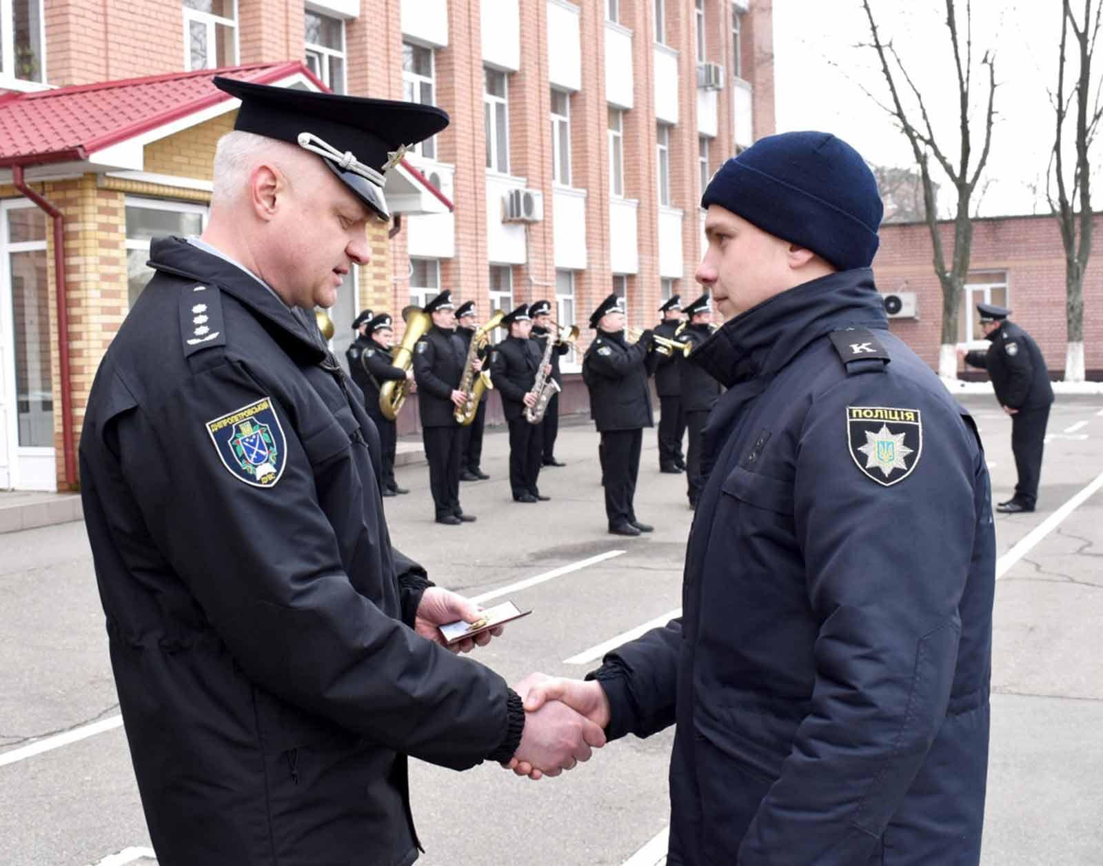 Курсант ДДУВС отримав почесну відзнаку від Міністра внутрішніх справ Арсена Авакова