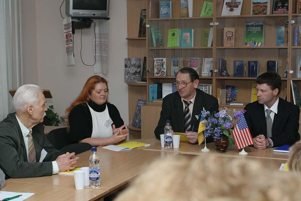 Зустріч з проф. Р. Ройсом (США). 2011 рік
