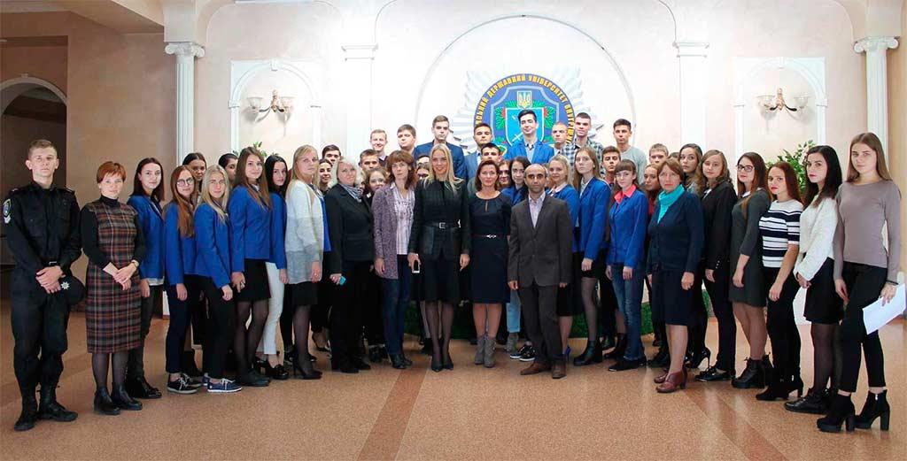 Круглий стіл «Українська військова звитяга – фундамент державності»