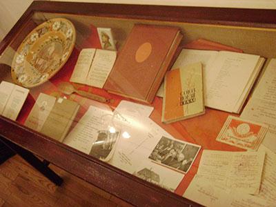 Курсанти ДДУВС відвідали літературно-мистецьку виставку