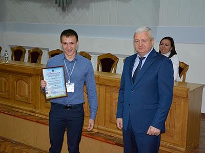 Віталій Глуховеря та випускник - ДДУВС підготував та випустив патрульних поліцейських для міста Кривий Ріг.