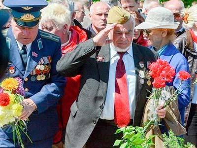 Участь курсантів та офіцерів ДДУВС в охороні громадського порядку 9 травня.