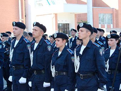 Курсанти та офіцери ДДУВС на варті громадського порядку міста