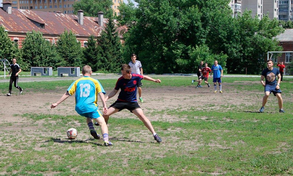 Змагання з футболу визначили кращих спортсменів університету