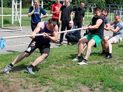 В університеті пройшли змагання з легкої атлетики, перетягування канату та волейболу