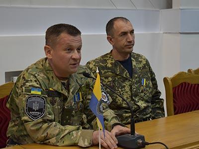 Зустріч у ДДУВС із бійцями полку «Дніпро-1»