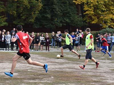 Серед студентів-першокурсників визначили кращу футбольну команду
