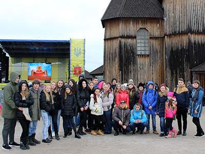 Студенти Криворізького факультету Дніпропетровського державного університету внутрішніх справ відвідали з ознайомчою екскурсією острів Хортиця.
