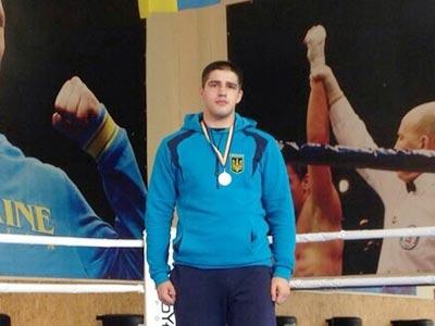 Першокурсник став чемпіоном на обласних змаганнях із боксу
