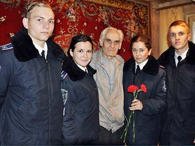 Курсанти ДДУВС відвідали ветеранів навчального закладу