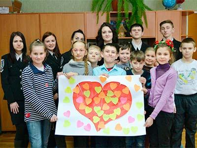 Студенти Криворізького факультету провели благодійну акцію «Від серця до серця»