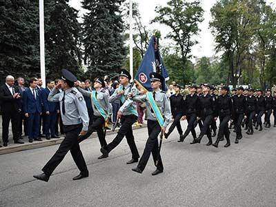 Керівництво та курсанти ДДУВС долучилися до відзначення Дня Державного Прапора України
