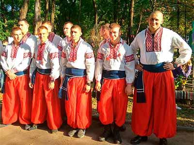 Для студентської молоді Кривого Рогу відбулися змагання «Козацькі розваги»