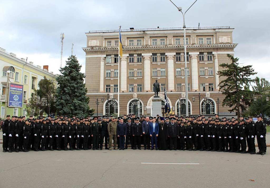 176 поліцейських в урочистій обстановці склали Присягу