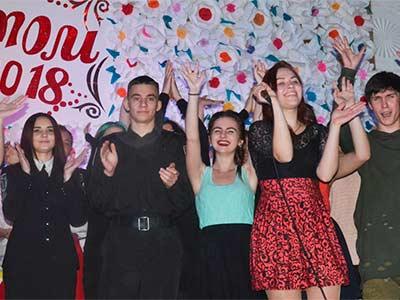 Талант-шоу зібрало на сцені Криворізького факультету найталановитішу молодь міста