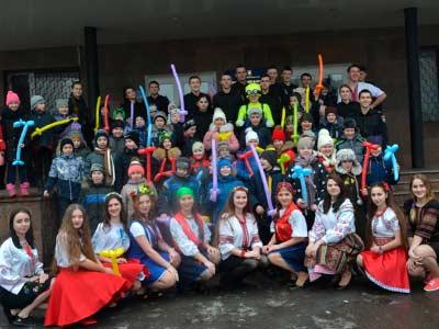 Масляну на Криворізькому факультеті відзначили веселими забавами та щедрим частуванням
