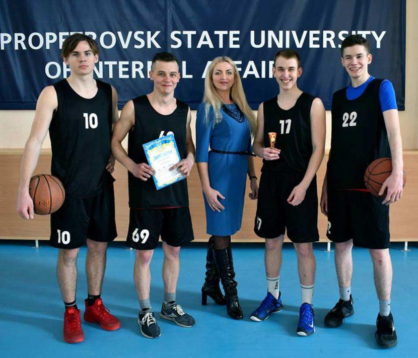 Стритболісти ДДУВС – призери обласних змагань