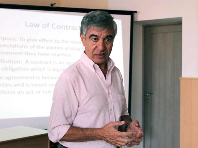 Доктор юридичних наук Рікардо Фурфаро прочитав лекцію для студентів ДДУВС
