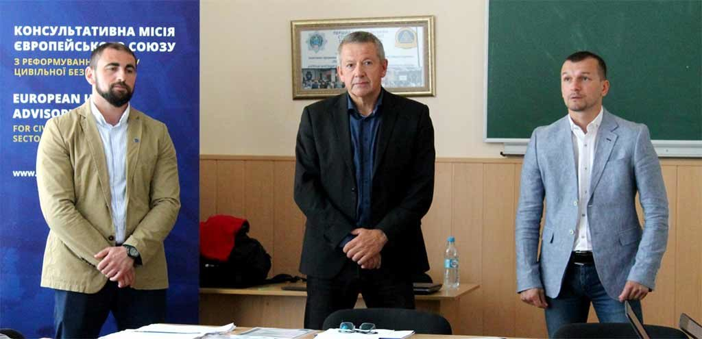 Впроваджуємо європейські практики в навчальний процес: у ДДУВС пройшов тренінг для поліцейських-перемовників