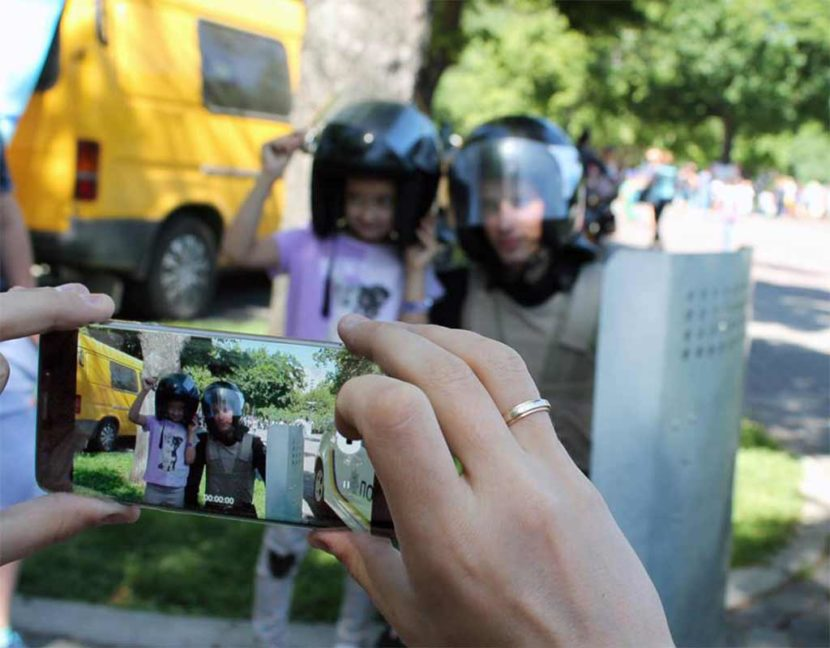 Юні мешканці Дніпра спробували себе у ролі поліцейського