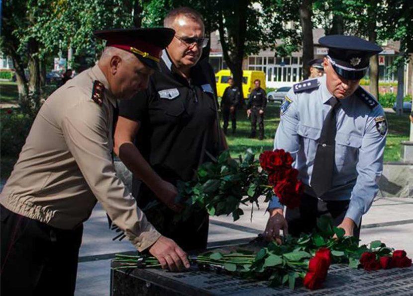 22 серпня, відзначають День пам'яті правоохоронців, які загинули під час виконання своїх службових обов'язків.