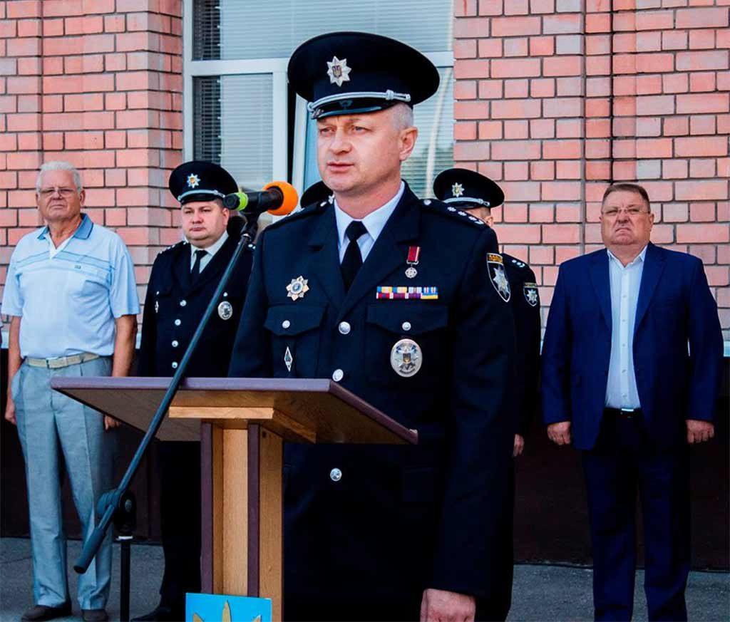 До першокурсників звернувся ректор університету полковник поліції Андрій Фоменко.