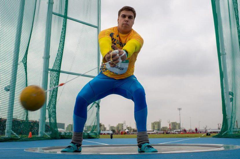 Студент 1-го курсу юридичного факультету Дніпропетровського державного університету внутрішніх справ легкоатлет Михайло Кохан здобув золоту медаль