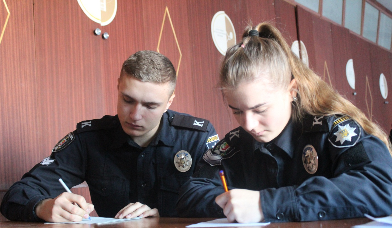 Краща мова єднання – це українська