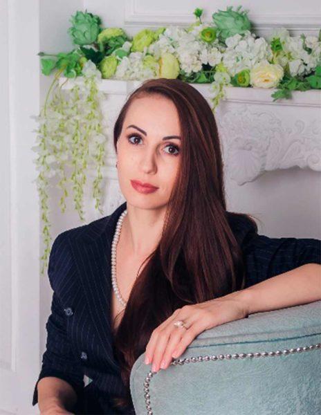 Петрова Яна Іванівна - викладач