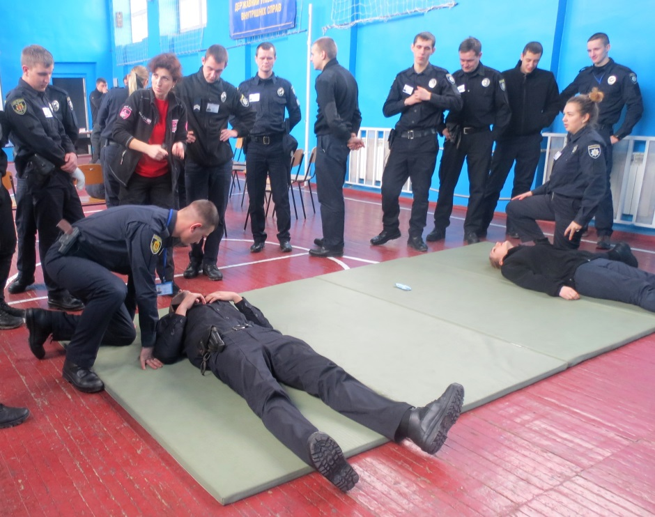 Як запорізькі поліцейські вчилися надавати першу медичну допомогу
