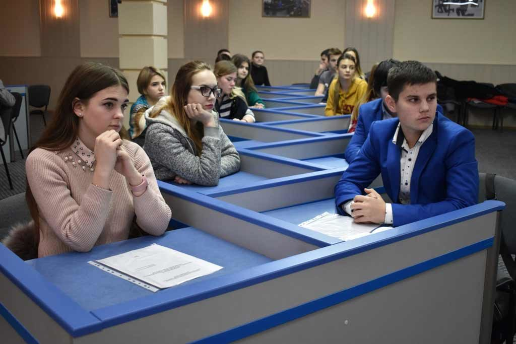 У Дніпропетровському державному університеті внутрішніх справ презентували книгу «Життя на Нулі».