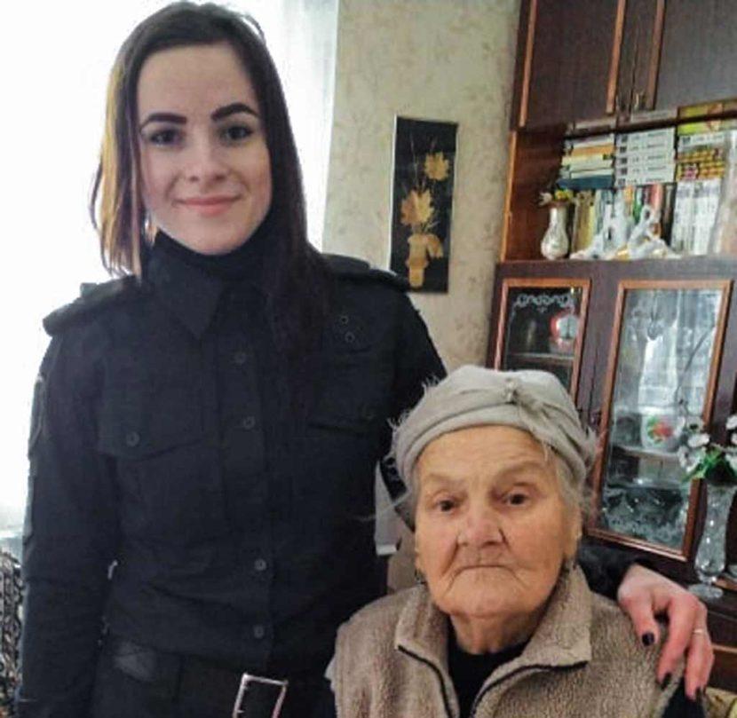 Курсантка ДДУВС врятувала життя літній жінці