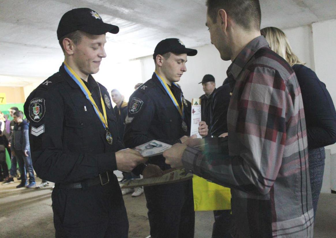 Курсанти Криворізького факультету – призери районного турніру зі стрільби