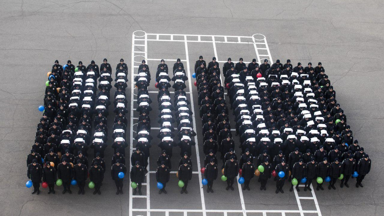 Майбутні правоохоронці привітали свою «альма-матер» з річницею грандіозним флешмобом!